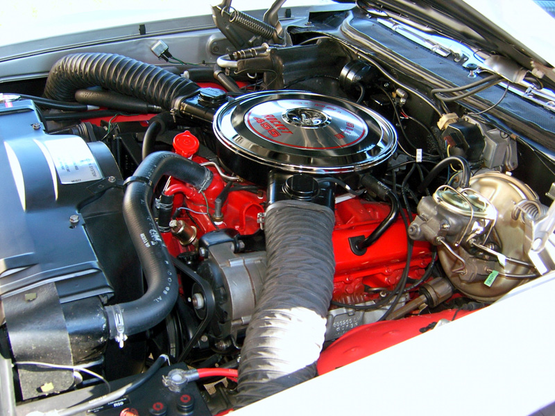 455 Olds Engine Photos http://www.musclecardrive.com/oldsmobile/1968-hurst-oldsmobile.php